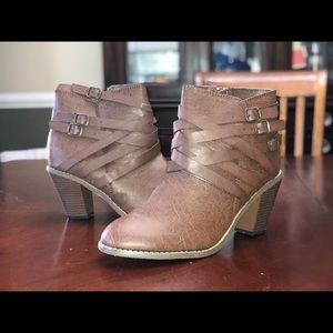Heeled strapped booties